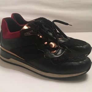 Geox Sneakers  Size: 10